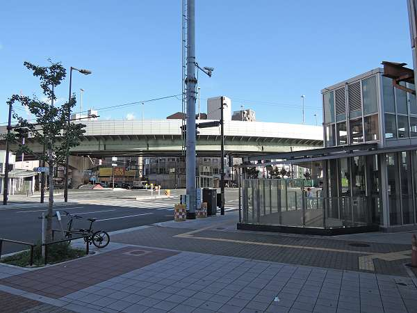 Namba_line_ground_304