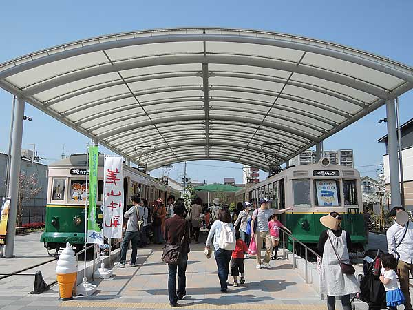 Umekoji_streetcar_02
