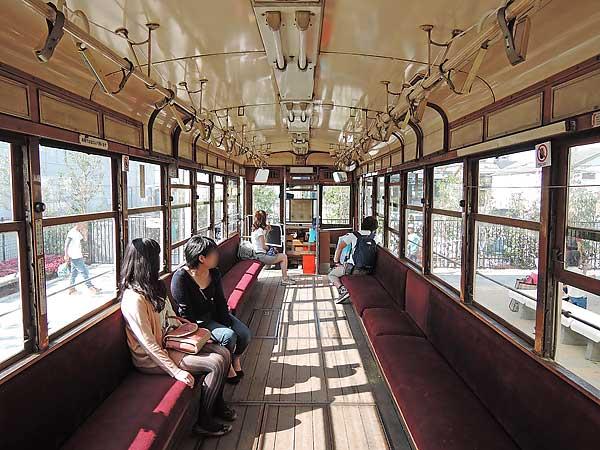 Umekoji_streetcar_13