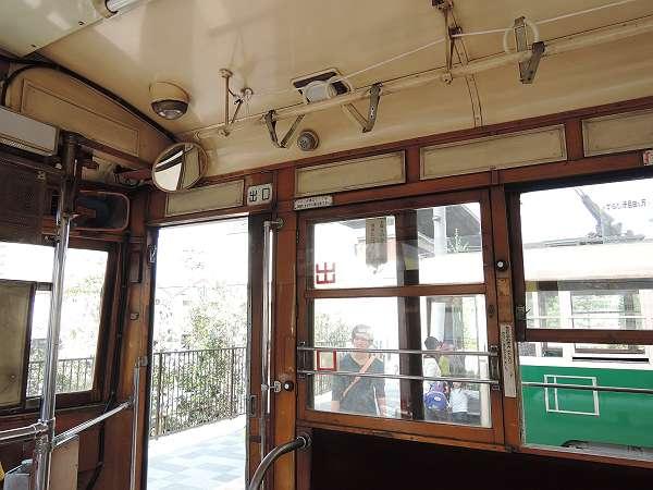 Umekoji_streetcar_16