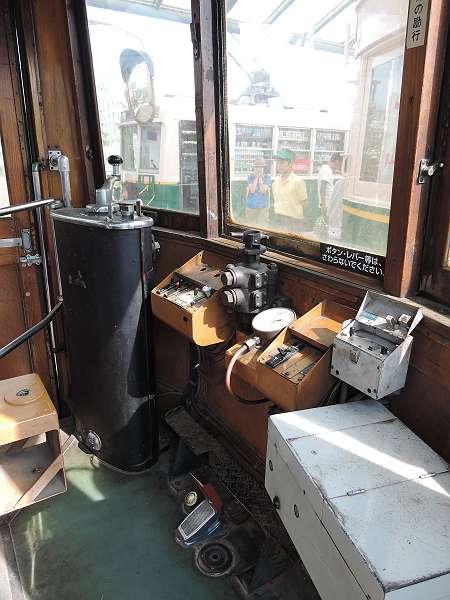 Umekoji_streetcar_17
