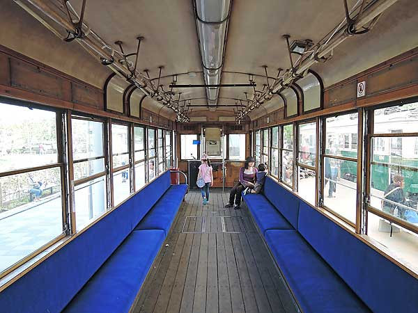 Umekoji_streetcar_20