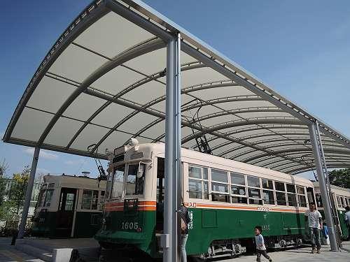 Umekoji_streetcar_intro