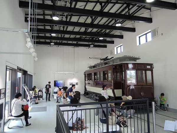 Umekoji_streetcar_209