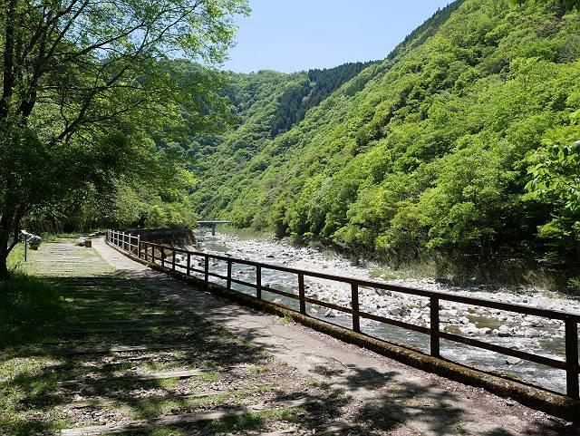 Mukogawa_river_ravine_02_01