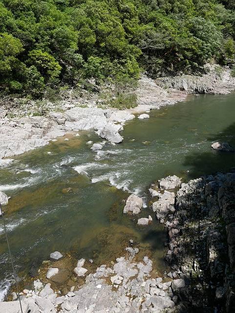 Mukogawa_river_ravine_02_23