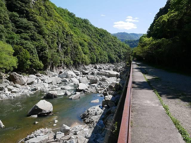 Mukogawa_river_ravine_04_09