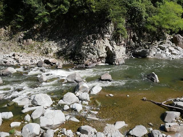 Mukogawa_river_ravine_04_10b